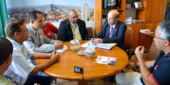 Sisejufe se reúne com relator do PL 6.613/09