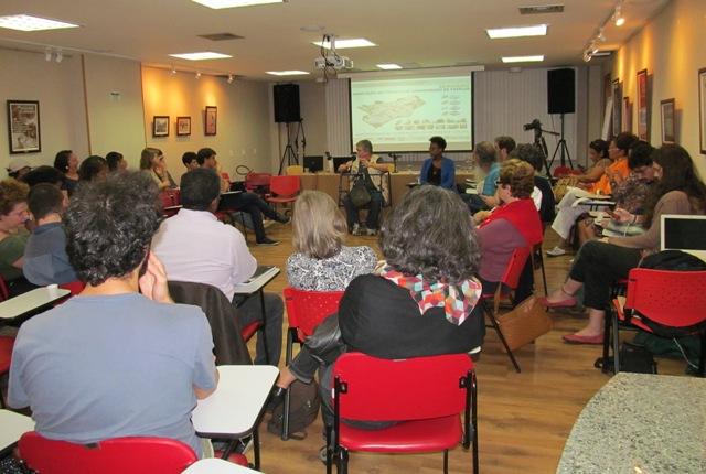 """O seminário """"Habitação em projetos de urbanização de favelas"""" aconteceu nos dias 29 e 30, no auditório do sindicato"""