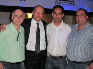 A partir da direita, Roberto Ponciano,  representante de base;