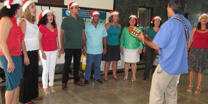 Coral do Sisejufe leva espírito natalino aos servidores do Judiciário Federal