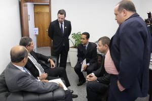 Dirigentes do Sisejufe conversam com senadores sobre a proposta de reajuste salarial