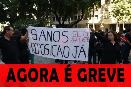 Servidores em greve realizam passeata na Baixada Fluminense