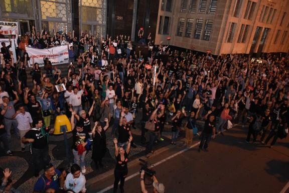 Seis mil servidores nas ruas contra o descaso do governo Dilma