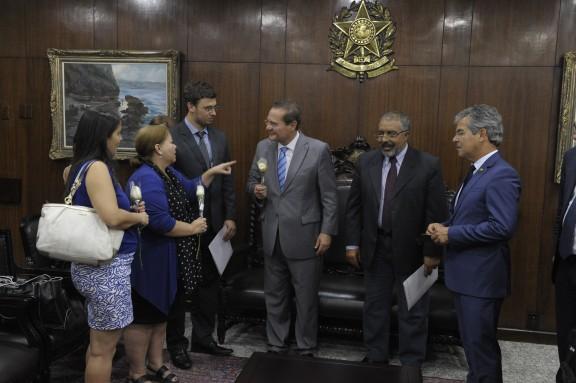 Renan Calheiros recebe servidores do Judiciário Federal do RJ