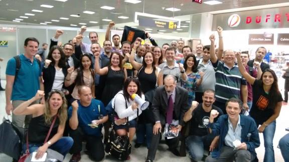 Servidores embarcam para Brasília para lutar pela derrubada do veto