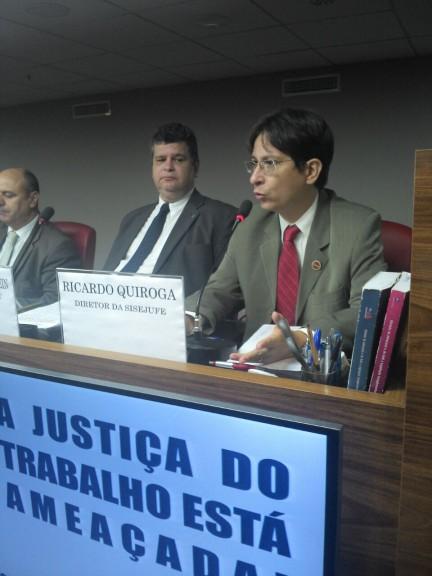 Sisejufe participa de lançamento de campanha de defesa da Justiça do Trabalho