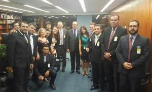 Dirigentes sindicais e servidores pedem apoio ao ministro Gilmar Mendes, futuro presidente do Tribunal Superior Eleitoral