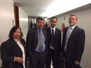 Dirigentes sindicais com o líder do PT, Afonso Florence