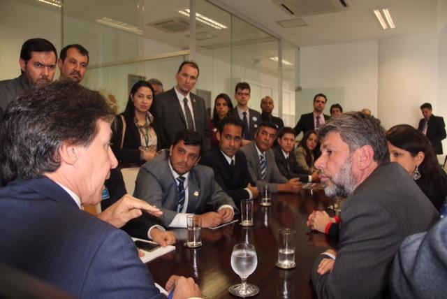 Líder do PMDB se reúne com dirigentes sindicais e STF e assume compromisso de votar o PLC 29/16 na próxima semana