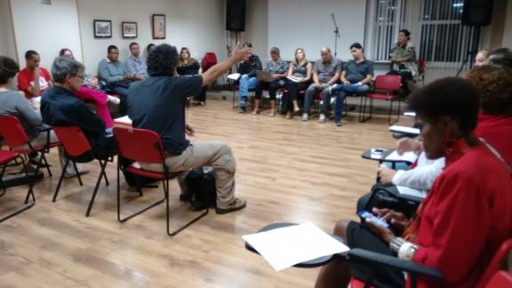 Conselho de representantes aprova paralisação de 24 horas e discute envio de caravanas a Brasília