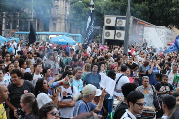 Manifestantes denunciam efeitos devastadores da PEC 241