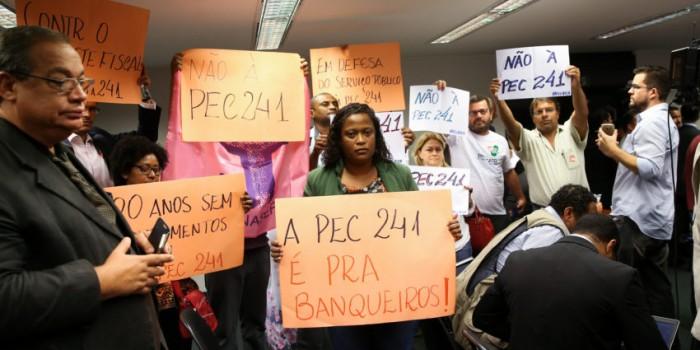 Sisejufe reforça necessidade de mobilização contra PEC que congela setor público por 20 anos