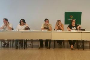 Diretora do Sisejufe, Soraia Marca (no centro), participou do fórum sobre assédio moral no Judiciário
