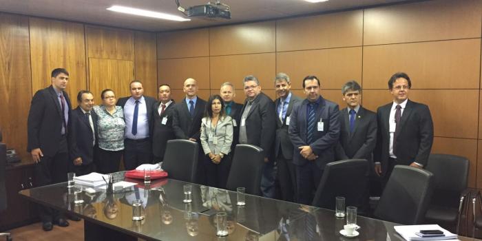 Fenajufe participa de reunião entre oficiais de justiça e o secretário-geral da Previdência