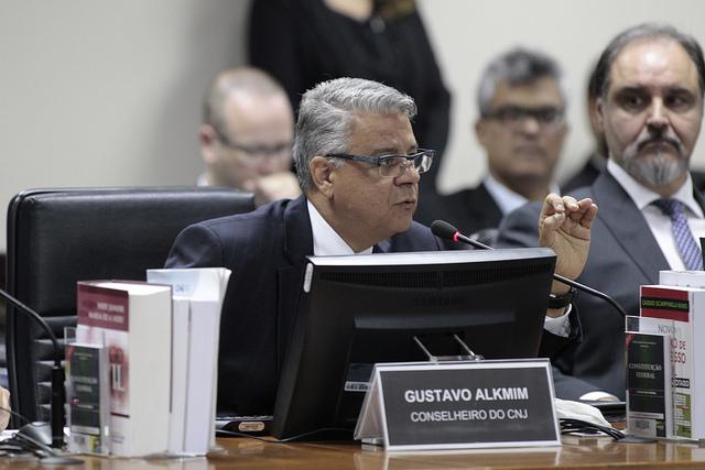 CNJ desautoriza corte de vencimentos em cargos comissionados do judiciário