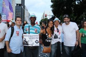 Oficiais de Justiça caminham na Presidente Vargas contra a Reforma