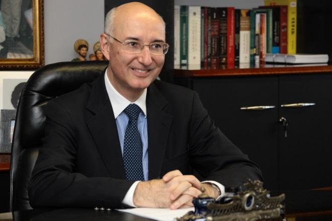 Rodrigo Maia ataca Justiça do Trabalho. TST e juízes reagem
