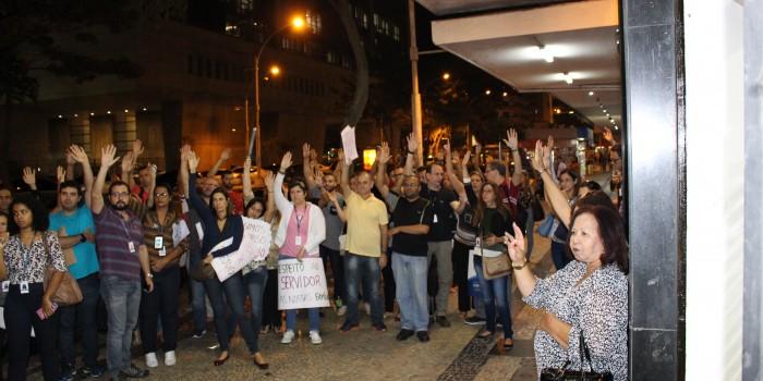Servidores promovem Ato Contra o Desmonte da Justiça Eleitoral e definem paralisação de 24 horas