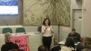Vanessa Barroso apresenta os principais tópicos do Dossiê do Retrocesso