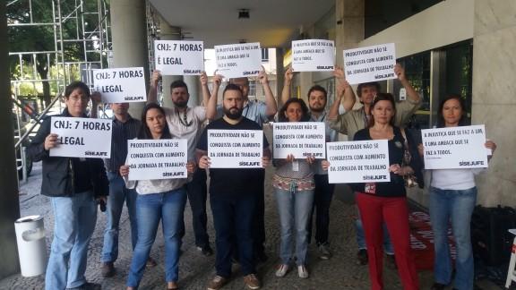 Servidores protestam contra o desmonte do Judiciário e retirada de direitos