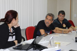 Presidente da Comissão Eleitoral, Og Carramilo, faz os encaminhamentos da pauta