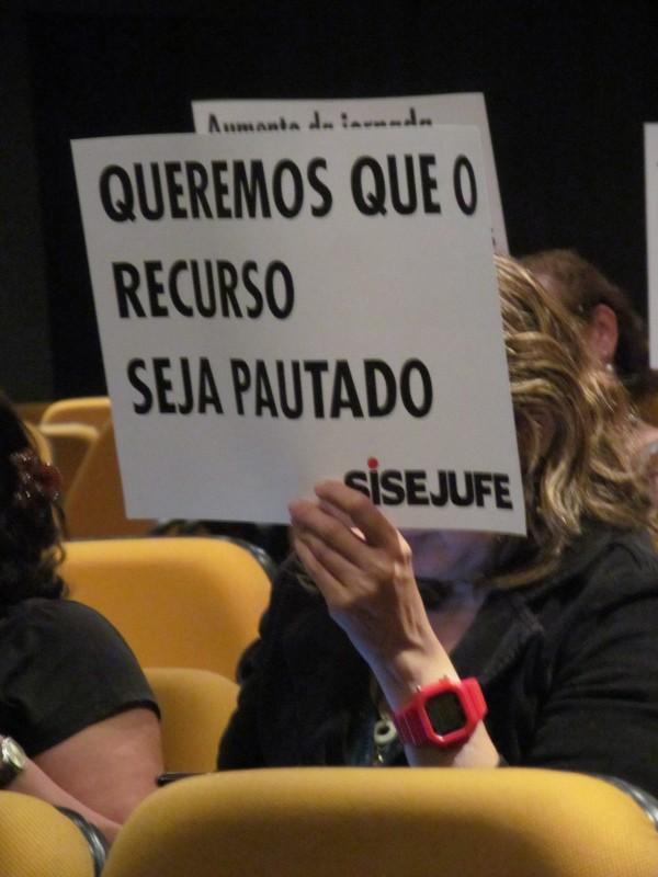 Servidores do TRT, representados pelo Sisejufe, exigem que recurso contra Ato 55 seja pautado pelo Órgão Especial