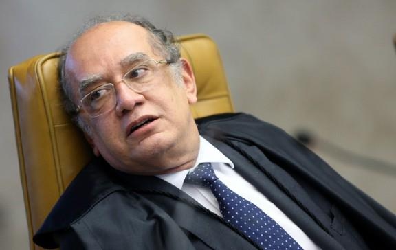 Gilmar: 'Ser padrinho de casamento impede alguém de julgar um caso?'