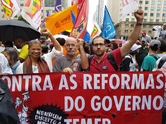 Sisejufe participa de ato contra o desmonte do serviço público e em defesa da soberania nacional