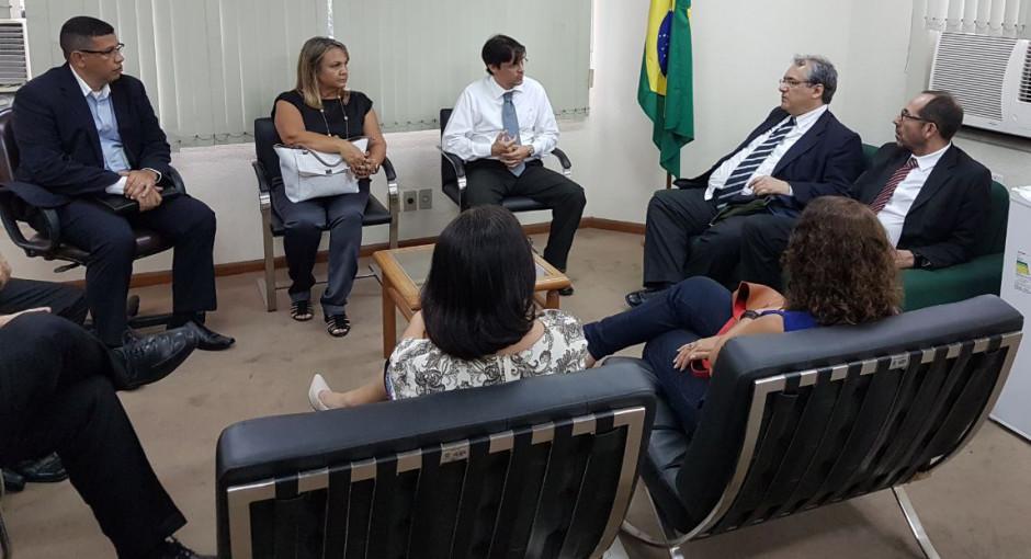 PRESIDENTE DO TRF2 visita Angra dos Reis para discutir segurança de jurisdicionados, servidores e juízes