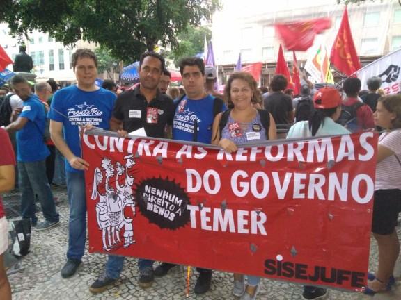 DIA DE LUTAS – Mesmo após vitória, trabalhadores continuam nas ruas para garantir direitos