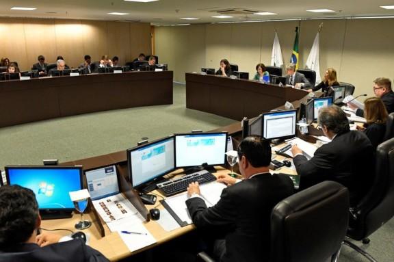 FÉRIAS: Conselho altera resolução que limitava quantidade de dias para parcelamento