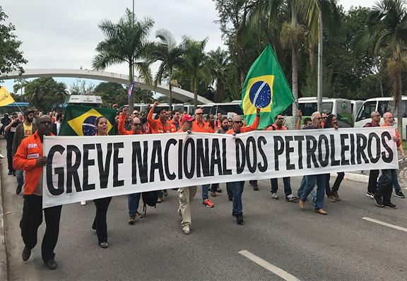 PETROLEIROS AMANHECEM EM greve em todo o país