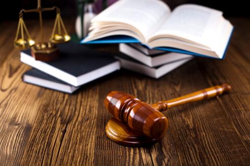 PGR PEDE AO STF que julgue constitucional norma que impede servidores da Justiça Federal e do MPU de atuarem como advogados