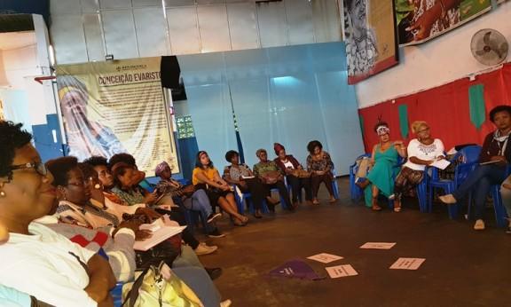REDE DE MULHERES NEGRAS combate o racismo, o sexismo e a violência de gênero