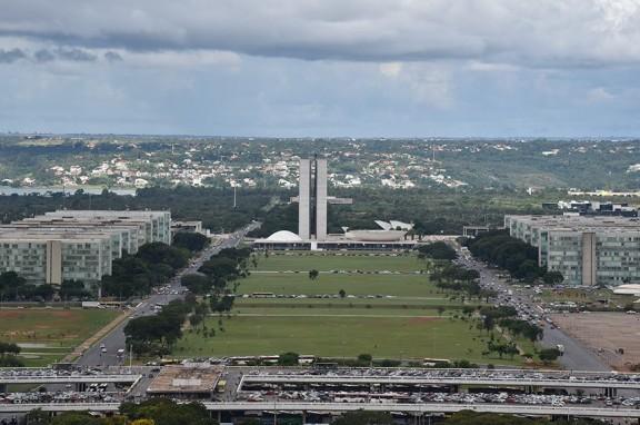 CHEFE DO EXECUTIVO pode ser punido se não enviar projeto de revisão salarial dos servidores