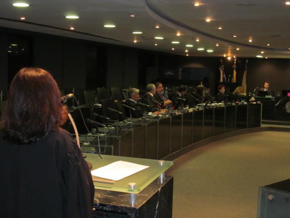 VITÓRIA NO TRT: Luta dos servidores e do Sisejufe garante jornada de 7 horas para todo mundo