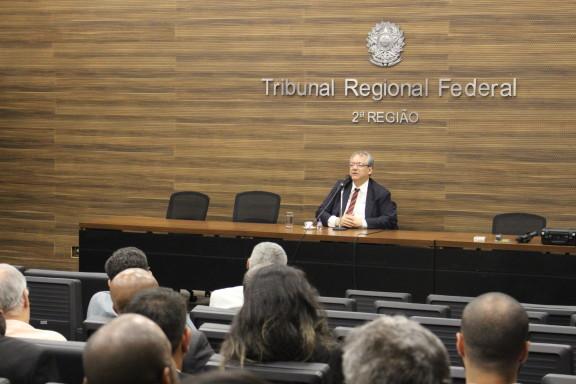 PRESIDENTE DO TRF se reúne com agentes de segurança judiciária