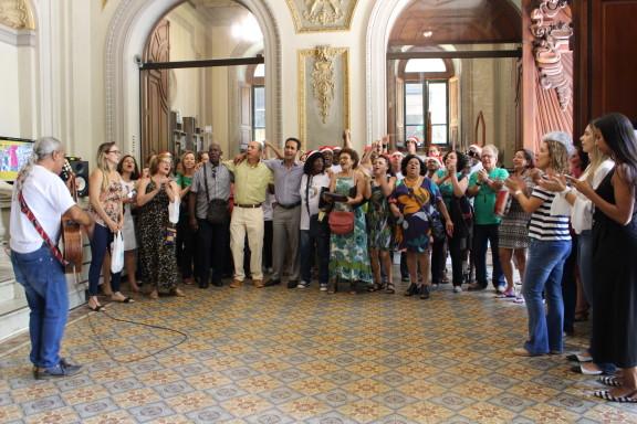 Concerto de Natal causa comoção no Centro Cultural da Justiça