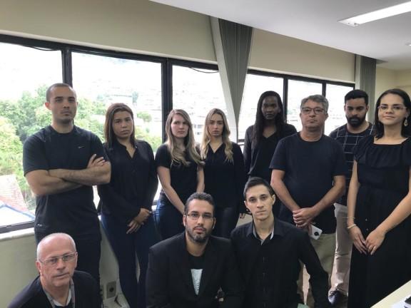 Servidores da Justiça Federal de Angra protestam contra a falta de segurança