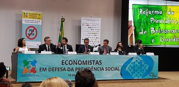 Economistas defendem a Previdência Social e se posicionam contra a proposta do Governo Bolsonaro