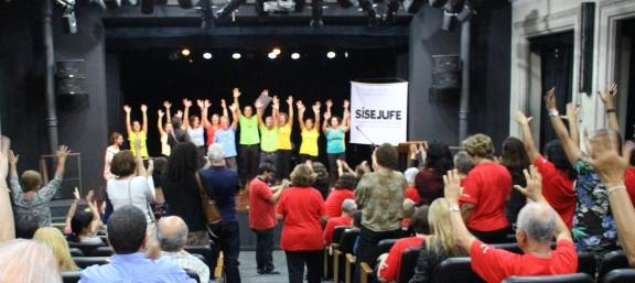 Coral do Sisejufe comemora cinco anos com amigos e homenageados