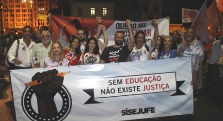 Mobilização histórica em defesa da educação leva dois milhões de pessoas às ruas de todo país e unifica luta de trabalhadores e trabalhadoras de vários setores