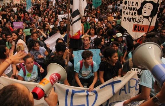 Deu na Imprensa: Convocação à greve geral de sexta-feira chega à trending topics do Twitter