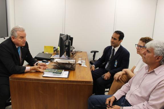 Diretoria do Sisejufe se reúne com Administração do TRF2 para comunicar adesão da categoria à greve geral