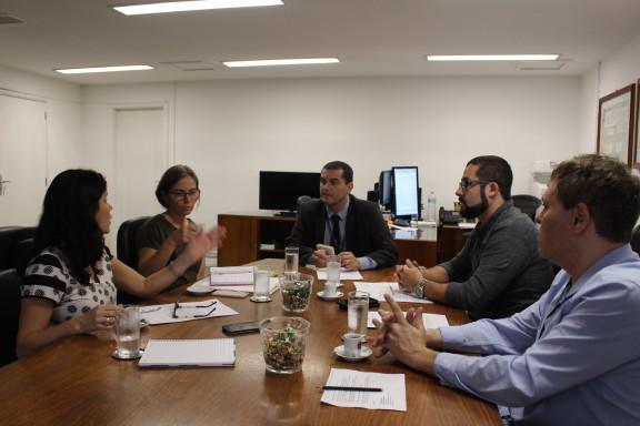 Sisejufe defende direitos do servidor em reunião da mesa permanente de negociação com o TRE-RJ