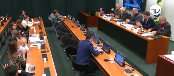 Sisejufe expõe desafios da profissão de oficial de justiça em audiência pública na Comissão de Segurança Pública da Câmara