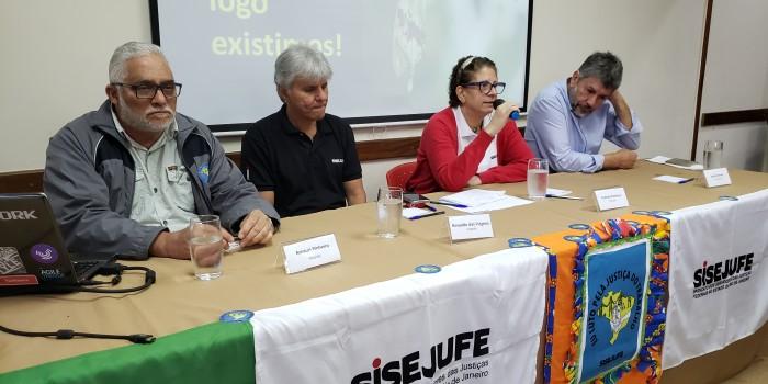 Servidores traçam estratégias para enfrentar ameaças à Justiça do Trabalho em encontro estadual