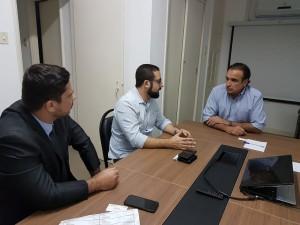 O vice-presidente do Sisejufe, Lucas Costa e o diretor Adriano Nunes se reuniram com o deputado federal Hugo Leal, em seu gabinete no Rio